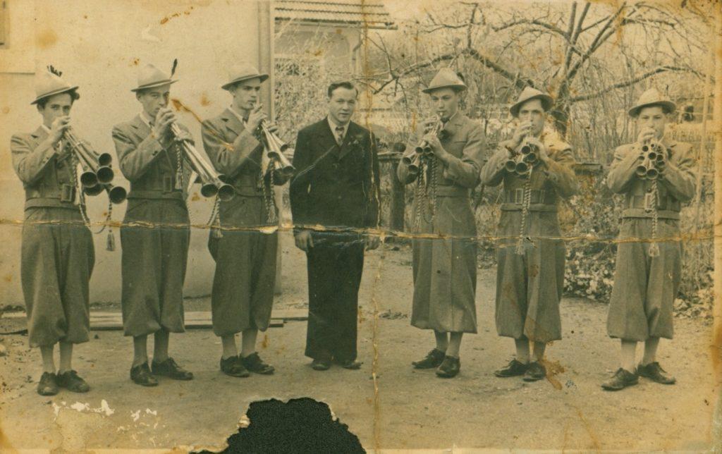 Polzelski fanfaristi v drugi sestavi. Od leve proti desni: Ivan Vošnjak, Franc Jelen, Živortnik, Oto Terglav, Franci Ožir, Ignac Hropot, in Jožef Pfeifer.